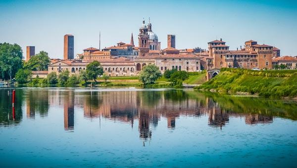 Meteo Mantova: oggi cielo in gran parte nuvoloso, domani pioggia debole, lunedì 12 aprile pioggia forte