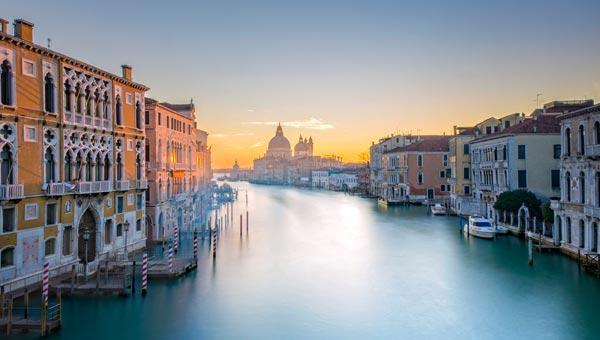 Meteo Venezia: oggi cielo in gran parte nuvoloso, domani soleggiato, domenica 17 gennaio cielo in gran parte nuvoloso
